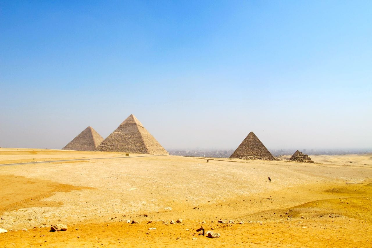 Pyramids Camels A Sphinx My Day In Giza