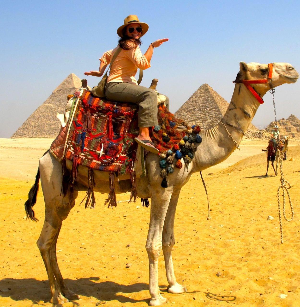 لاول مرة في مصر احجز رحلة الي الهرم لركوب الجمال و الخيول