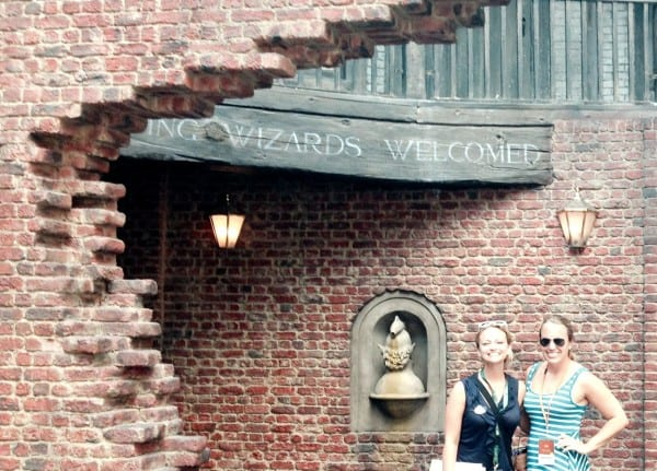 Wizards & Muggles, make your way to Diagon Alley!