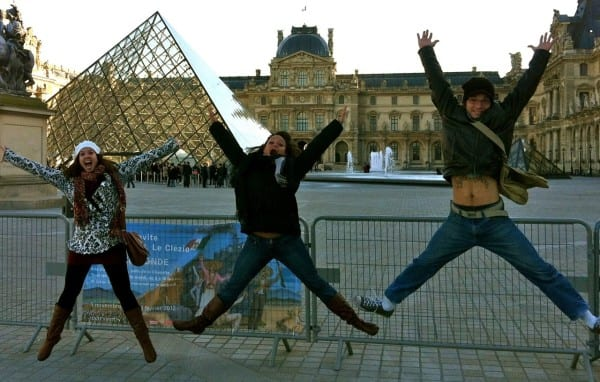Louvre jumping photo
