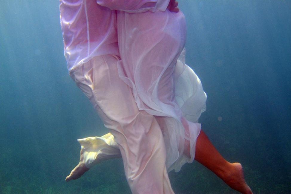 underwater-wedding-photos-11