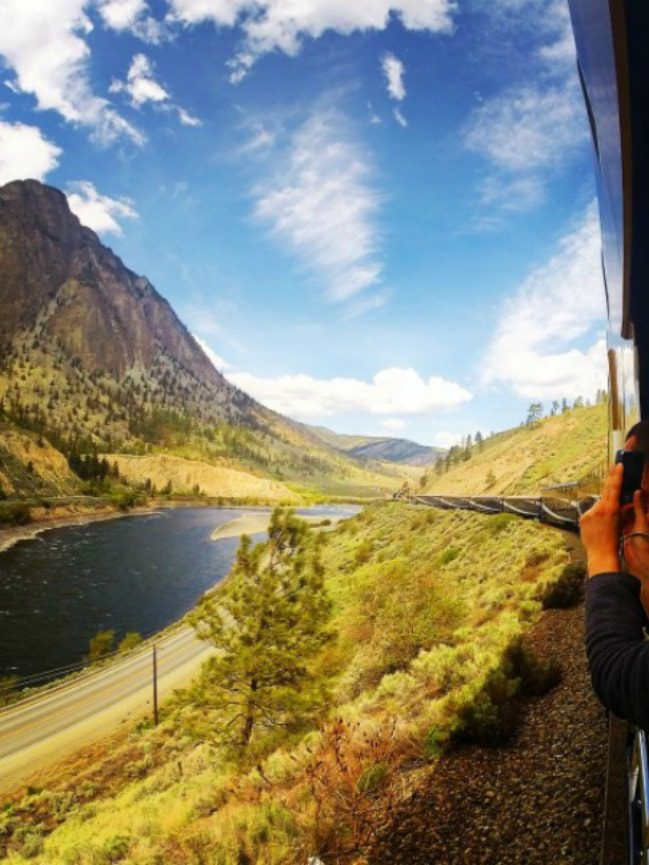 Rocky mountaineer what to pack