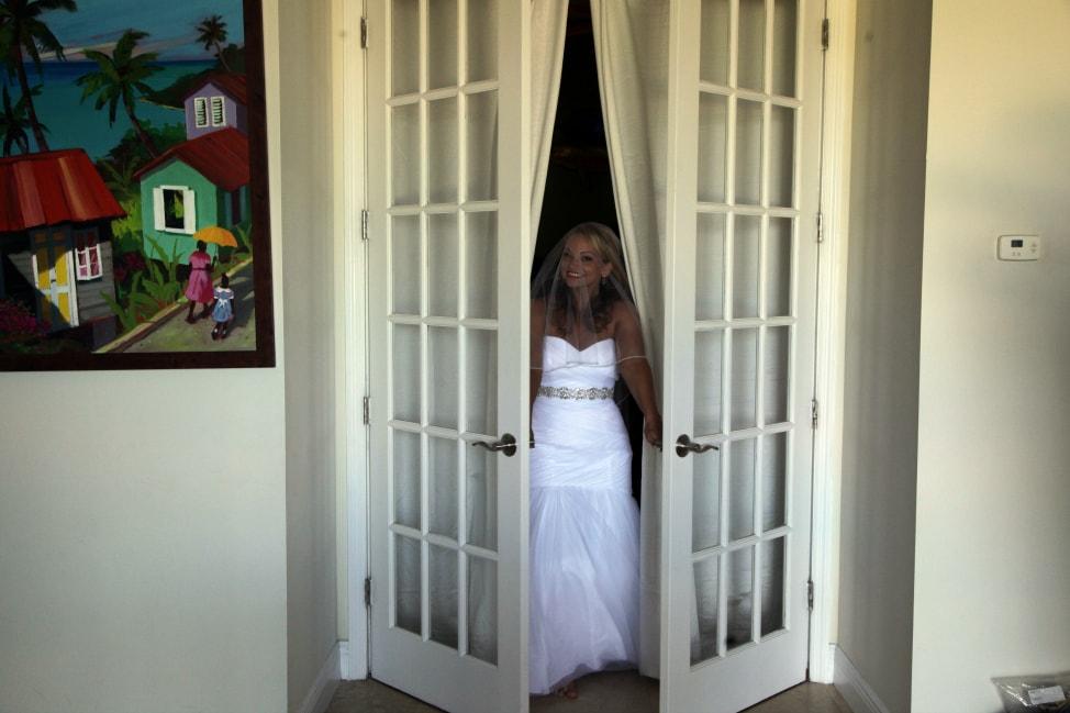 angie-away-new-normoyle-destination-wedding-18-min