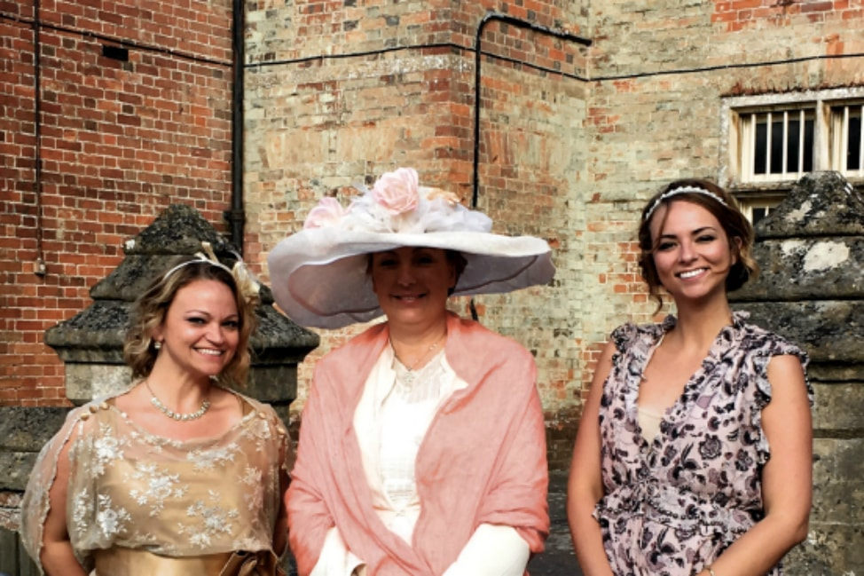 lady-carnarvon-highclere-castle-vintage-garden-party-downton-abbey