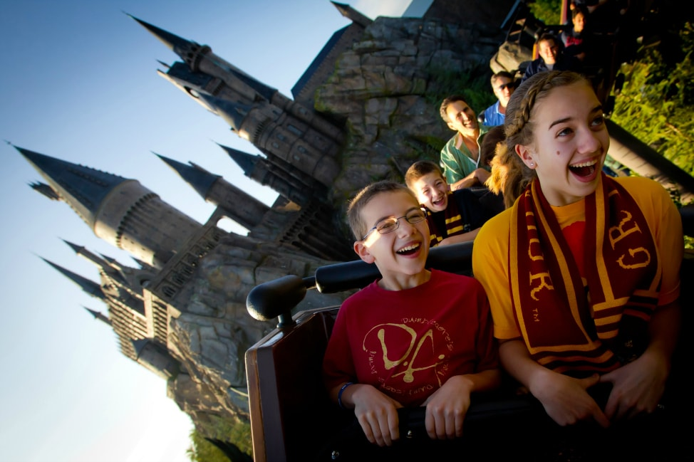 7-reasons-to-stay-onsite-at-universal-orlando-resort-Loews-Sapphire-Falls-Islands-of-Adventure