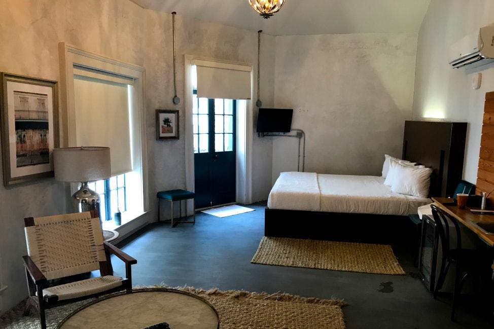 Catahoula Hotel