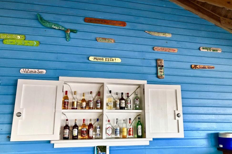 Long Island Bahamas Bar